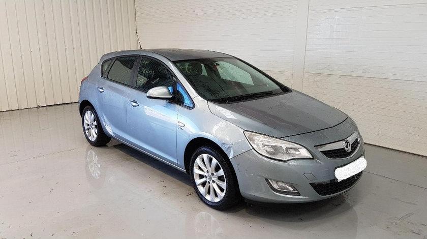 Macara geam dreapta fata Opel Astra J 2012 Hatchback 1.7 CDTI