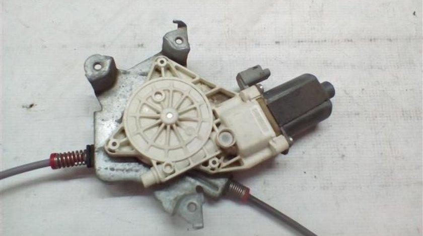 Macara geam + motoras usa dreapta fata Nissan Micra model 3 usi An 2002 2003 2004 2005 cod motoras 0130822203