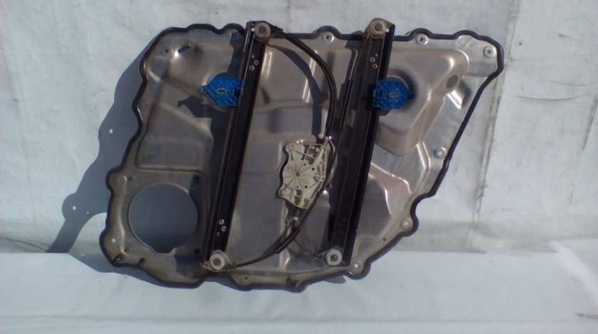 Macara geam usa stanga spate Audi A8 An 2003-2009 cod 4E0839849