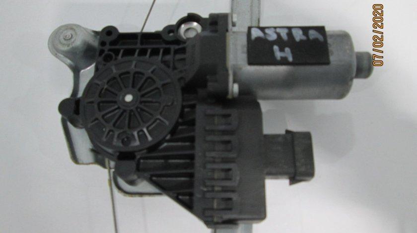 Macara + motoras geam usa dreapta spate Opel Astra H Berlina an 2004-2008 cod 94703287