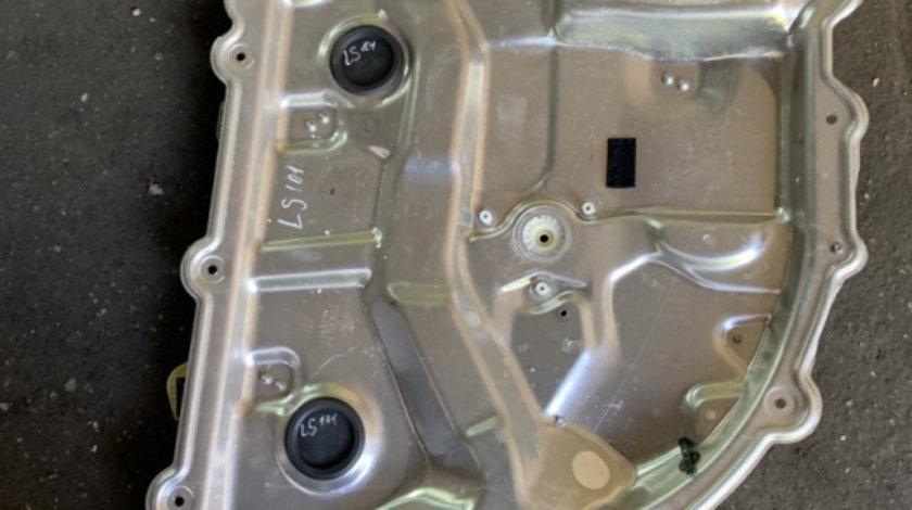 Macara stanga spate Audi A8 D3/4E [2002 - 2005] Sedan 4.2 tiptronic quattro (335 hp) AUDI A8 (4E_) 10.2002 - 07.2010 A8 4.2 QUATTRO 4.2 - BFM