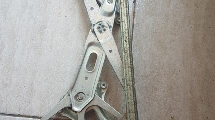 Macara usa dreapta fata cu motoras 85710-58010 lexus is II
