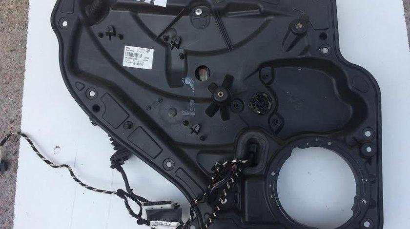 Macara usa stanga spate VW GOLF6 5K4839729H