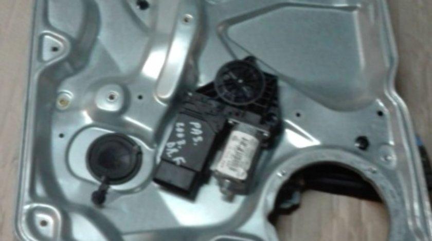 Macare electrica completa dreapta fata VW Passat B 5.5