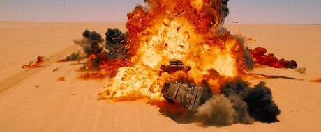 Mad Max revine: trailerul filmului cu masini, benzina si motoare