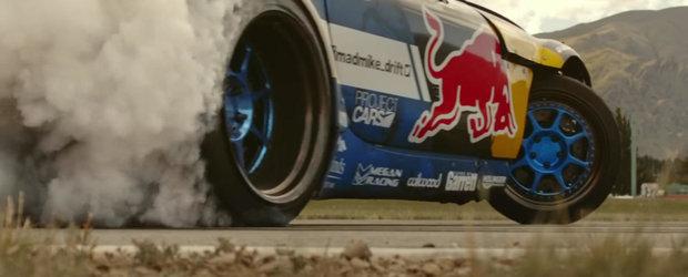 Mad Mike Whiddett ne arata cum se fac drifturi cu o Mazda MX-5 dotata cu motor de 1500 cp