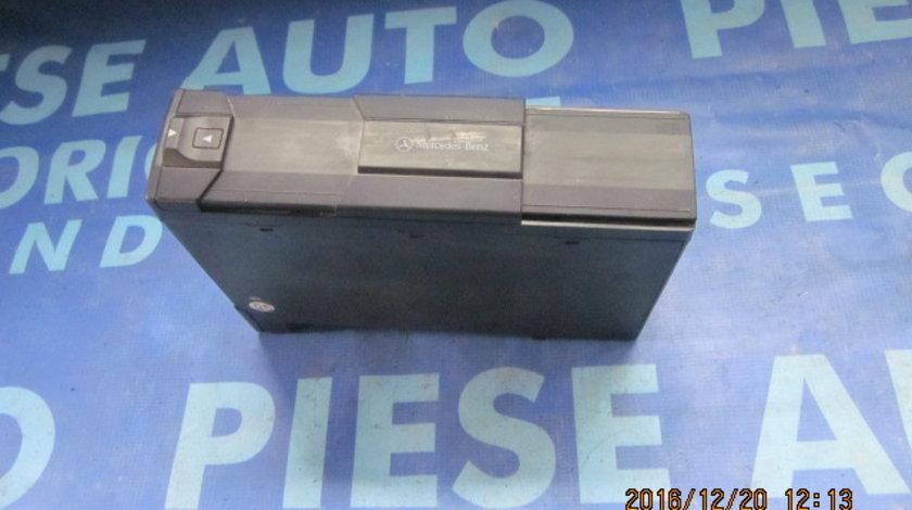 Magazie CD Mercedes A140 W168 ;00282079899(fara suport CD)