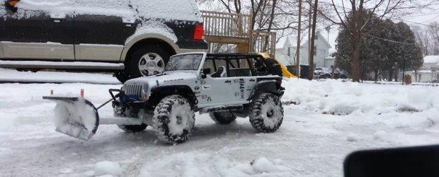 Mai eficient decat deszapezirea din Romania: Jeep Wrangler... cu telecomanda