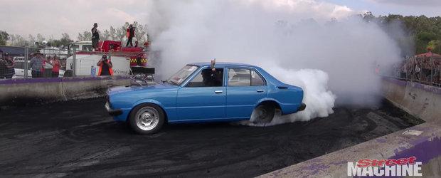 Mai mult fum decat o locomotiva pe aburi: cum se vede un burnout epic din interiorul masinii