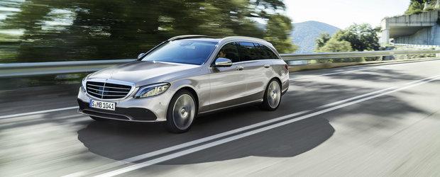 Mai subtil de atat nu se poate. Mercedes C-Class a primit un facelift dar nimeni nu vede diferentele