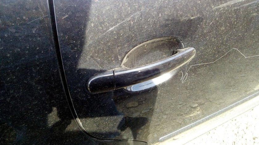 Maner exterior dreapta spate Volkswagen Passat B5.5 2003