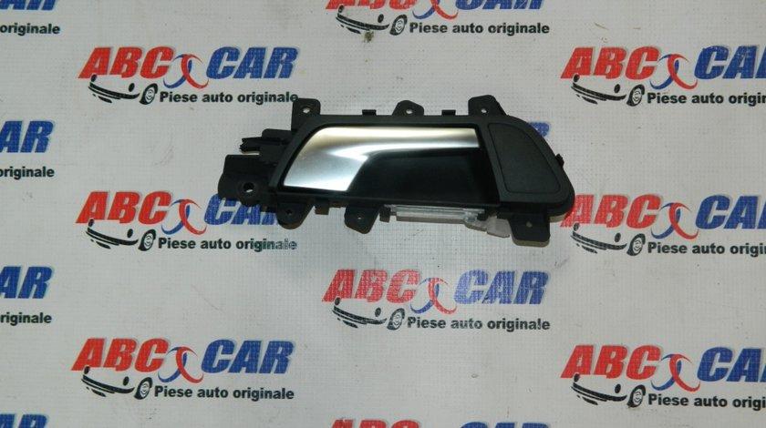 Maner interior deschidere usa dreapta fata Audi A4 B8 8K cod: 8K0837020B