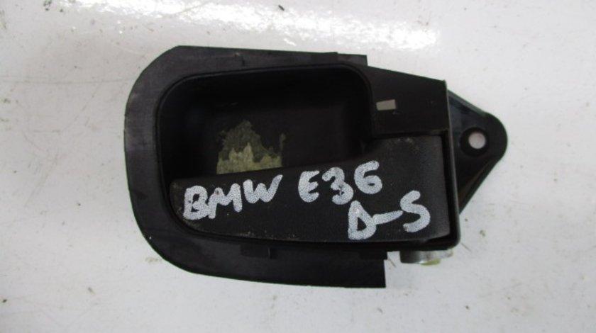 MANER INTERIOR USA DREAPTA SPATE BMW SERIA 3 E36