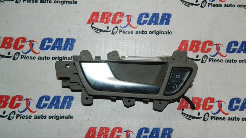 Maner interior usa stanga fata Audi A4 B8 8K cod: 8K0837019F