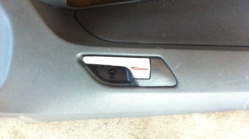 Maner interior usa stanga fata Opel Astra H [2004 - 2007] Hatchback 1.6 MT (105 hp) (L48) Twinport