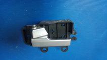 Maner usa interior stanga fata ford focus 2 3m51-r...