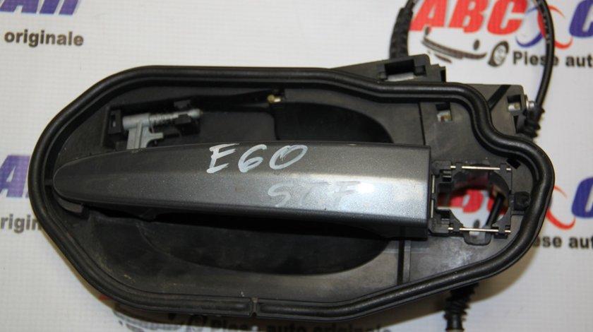 Maner usa stanga fata BMW Seria 5 E60 / E61 model 2007