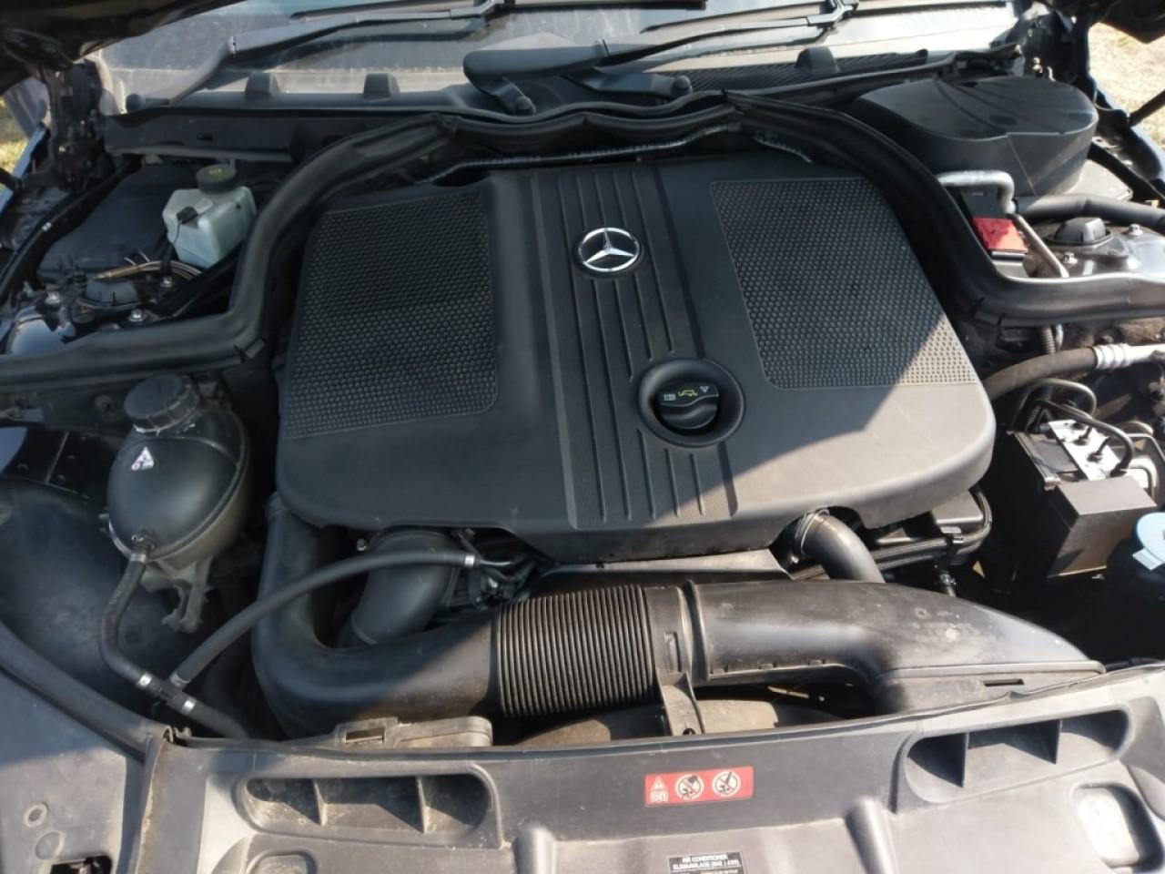 Maner usa stanga fata Mercedes C-Class W204 2011 Berlina 2.2 cdi om 651