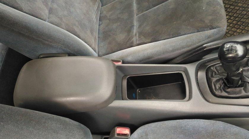 Maneta frana mana Mitsubishi Galant 2.0 100 kw, an fabricatie 1999