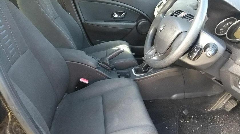 Maneta semnalizare Renault Megane 3 2010 Hatchback 1.6 16v