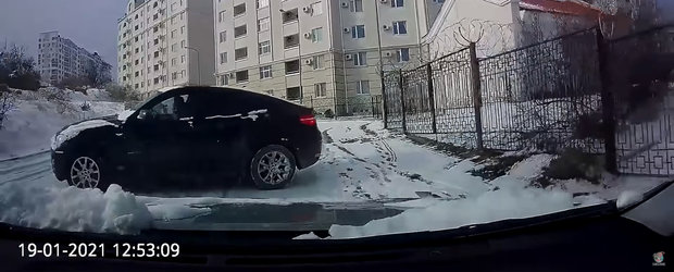 Manevra care i-a salvat masina. Un rus evita accidentul in ultimul moment