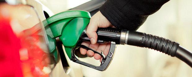 Martorul de bord care iti spune pe ce parte e gura de alimentare cu carburant a masinii