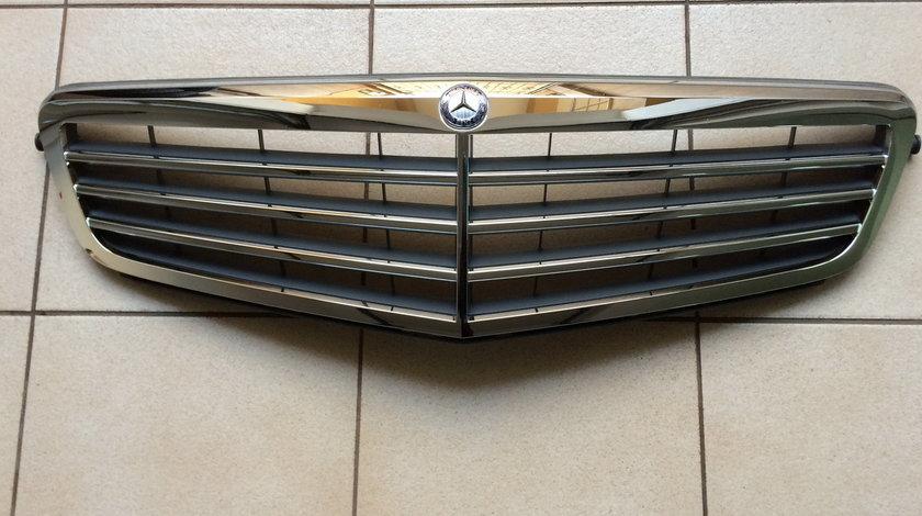 Masca capota Original Mercedes C - klasse / W204   A208801483 / A204 880 14 83