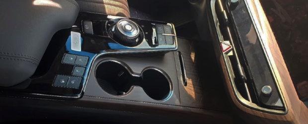 Masina care concureaza cu BMW Seria 5 a primit o noua generatie. Primele imagini de la interior au ajuns mai devreme pe internet