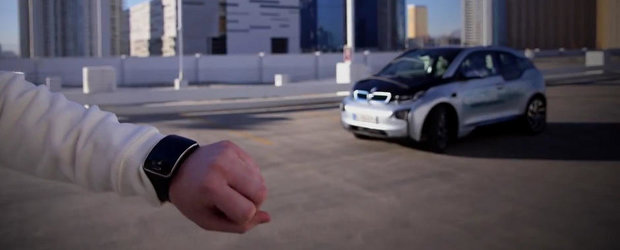 Masina care se parcheaza complet singura, prin intermediul ceasului