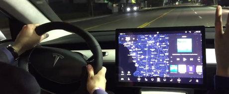 Masina de strada sau naveta spatiala? Uite cum se vede o plimbare de la bordul noii Tesla Model 3
