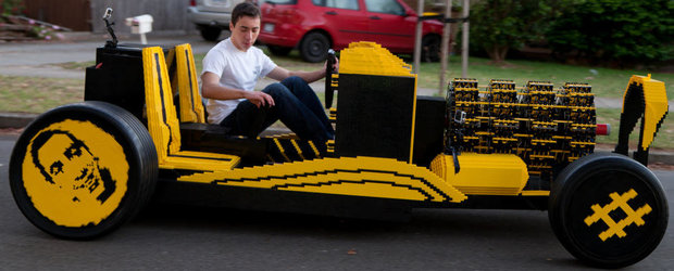 Masina din piese LEGO care merge cu aer a fost construita in Romania!