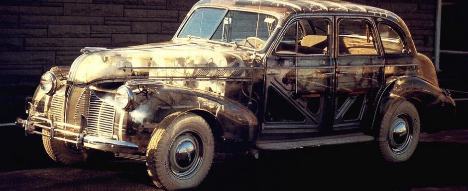 Masina Fantoma: Pontiac-ul din plexiglas unic in lume