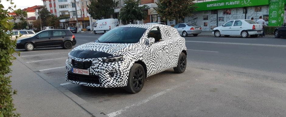 Masina misterioasa, complet camuflata, surprinsa intr-o parcare din Romania. Ce sa fie oare?