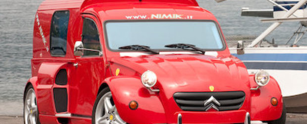 Masina Zilei: Ferrari 355 intr-un Citroen 2CV