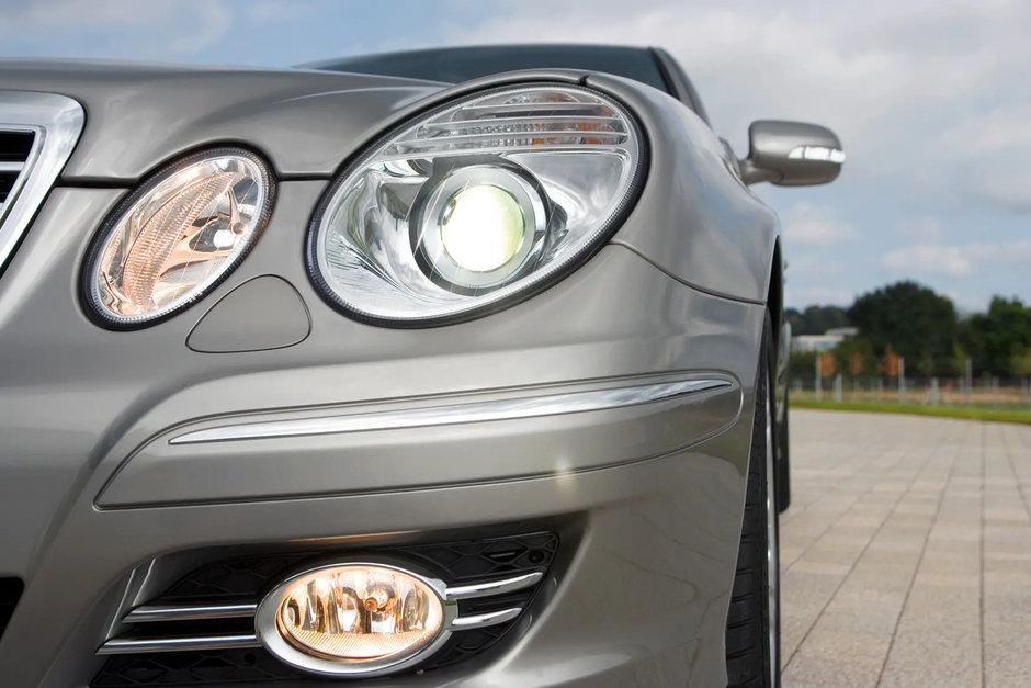 Masini de lux confiscate de ANAF, scoase la vanzare pentru preturi de nimic. Un Mercedes E-Class din 2007 costa doar 6.000 de euro