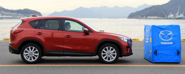 Mazda CX-5 va fi echipat in premiera cu tehnologia Smart City Brake Support
