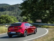 Mazda3 si CX-30