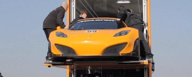 McLaren MP4-12C GT3 face prima plimbare oficiala pe pista