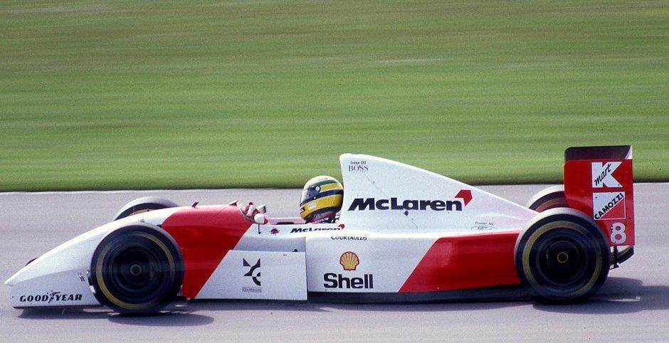 McLaren MP4/8A condus de Senna
