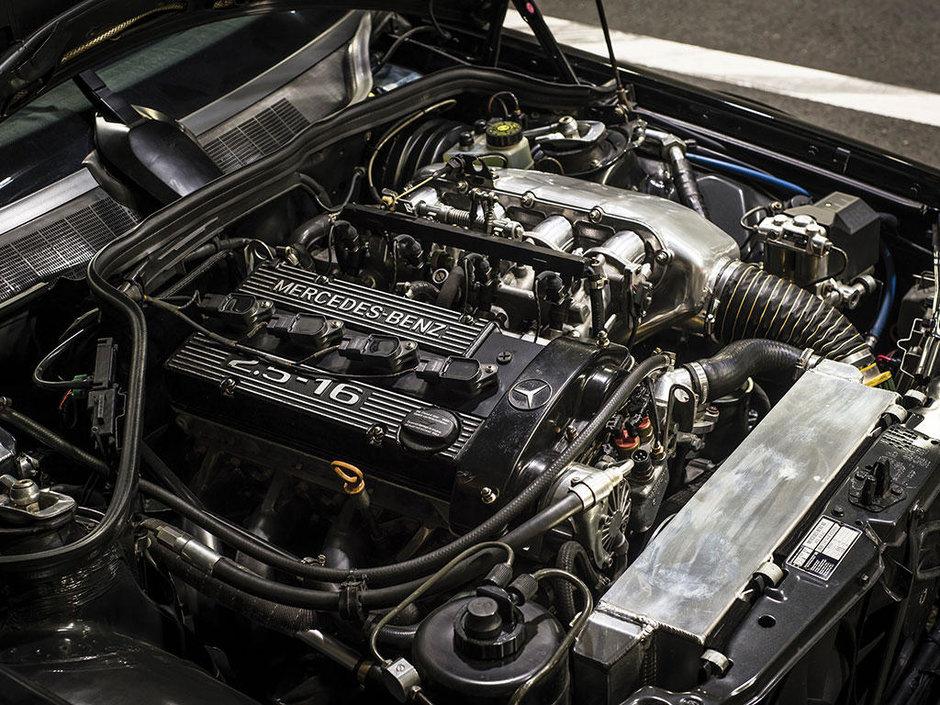Mercedes 190 E 2.5-16 Evolution II cu 5.000 km la bord
