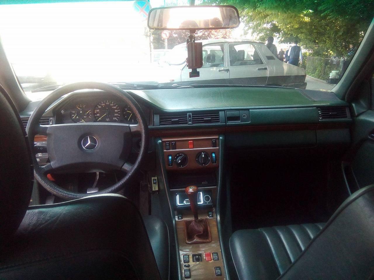 Mercedes 200 W124 1988