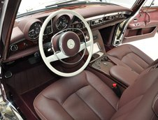 Mercedes 600 Pullman cu interior de Maybach