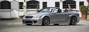 Mercedes a produs doar 80 de astfel de decapotabile. Acum una poate fi a ta pentru pretul corect