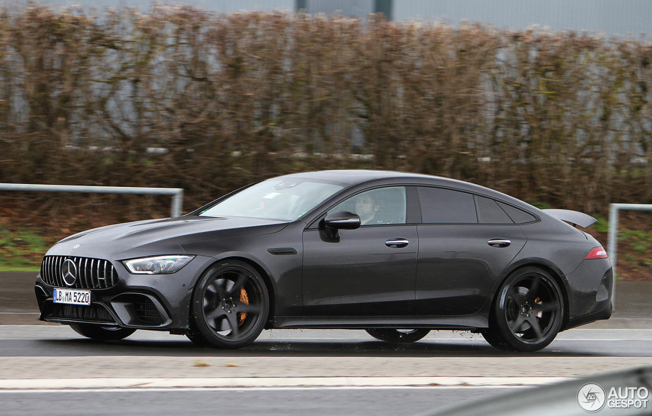 Mercedes AMG GT4 Door Coupe in trafic - Mercedes AMG GT4 Door Coupe in trafic