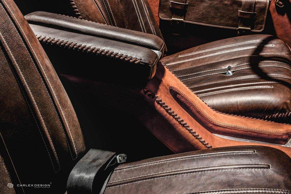 Mercedes-Benz 230SL cu interior Carlex