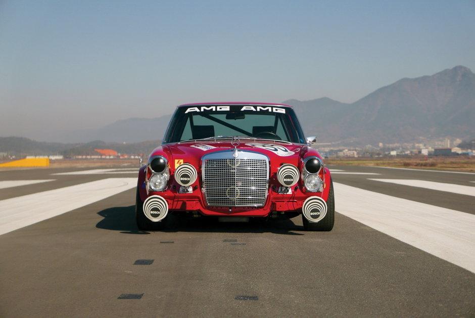 Mercedes-Benz 300 SEL replica Red Pig
