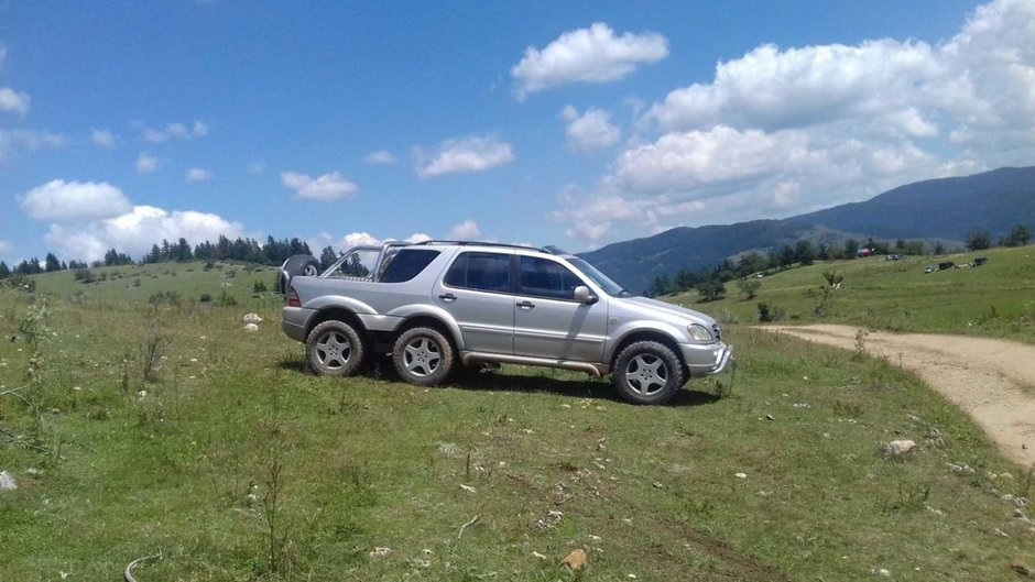 Mercedes-Benz ML 6x4