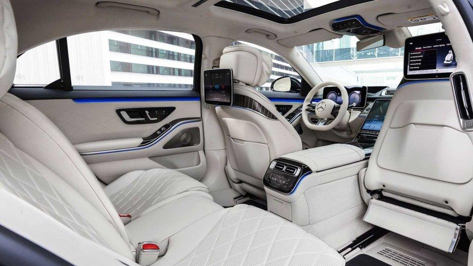 Mercedes-Benz S580e