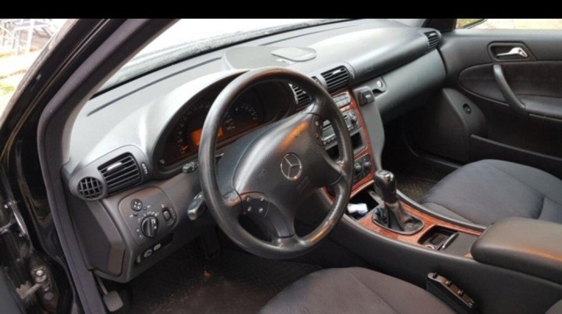 Mercedes C 200 2.2 CDI 2003