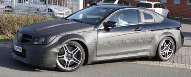 Mercedes C63 AMG Coupe Black Series se va alatura clubului '500 plus CAI PUTERE'